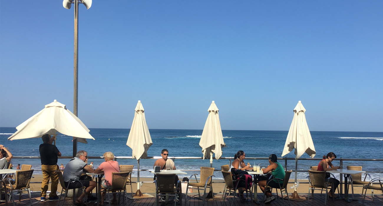 Bord de mer. Vue du café Granier. Las Palmas