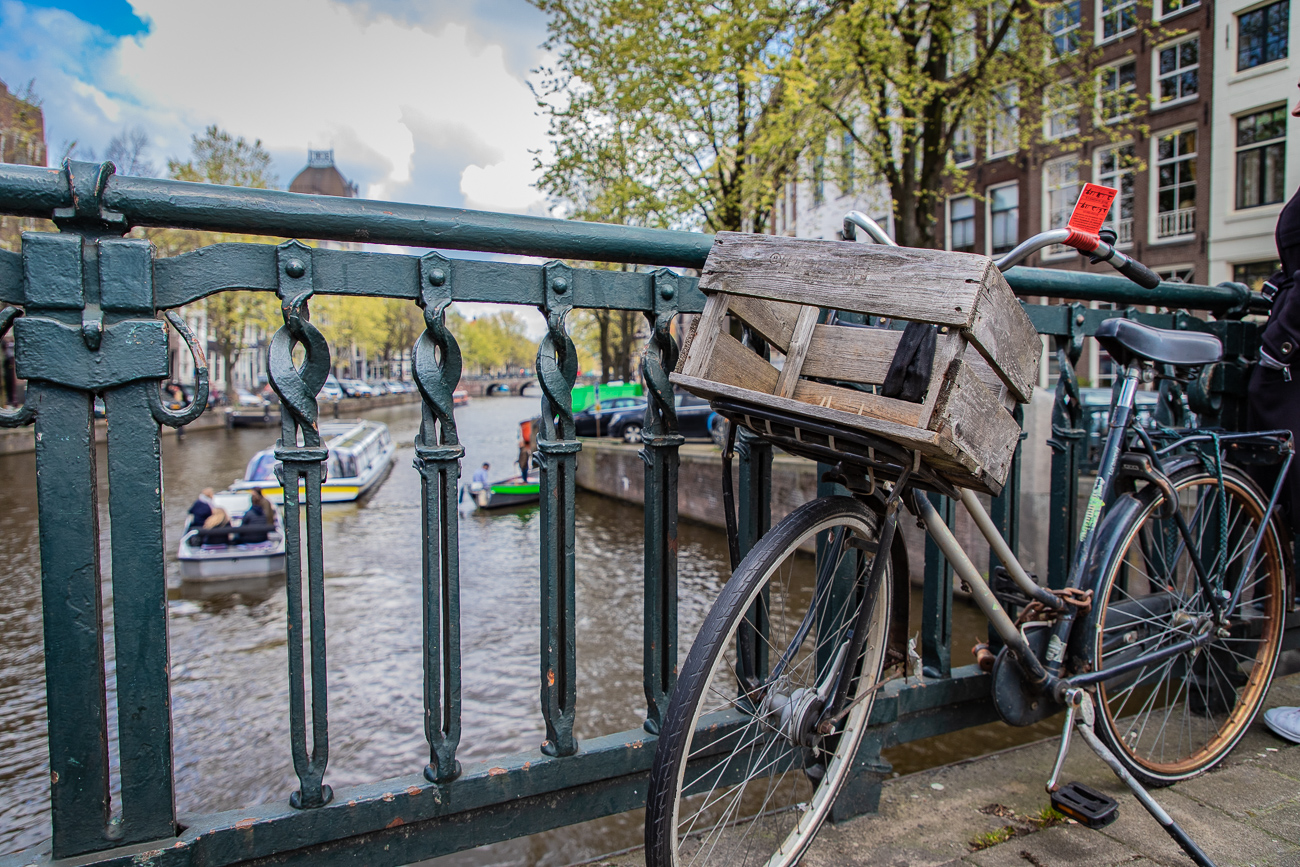 Velo, Amsterdam, Canal