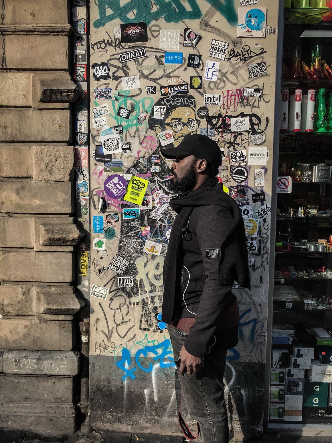 Stephane K, mur d'autocollants, Amsterdam